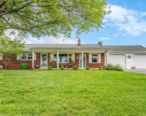 1672 Blankenship RD, Goodview, VA 24095